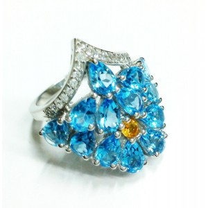 Natural Blue Topaz Ring in Sterling Silver