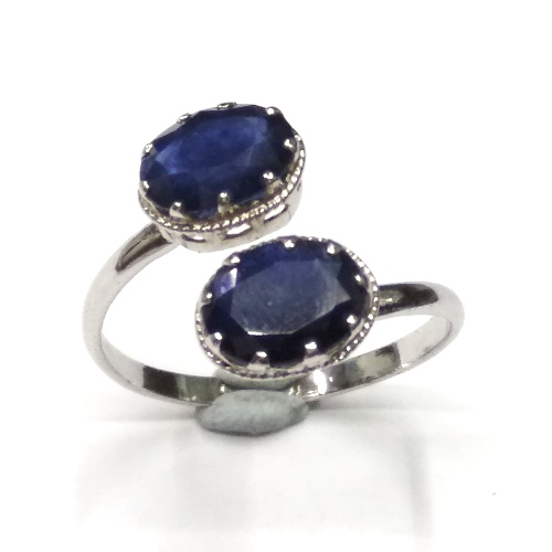 http://www.mahavirgems.in/Jewelry/Gemstone-Studded-Rings/Natural-Blue-Sapphire-Ring-in-Sterling-Silver